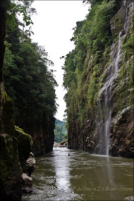 Yea! its walled in, Chris Baer, Colombia, Rio Caqueta