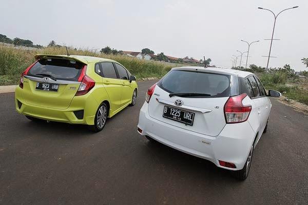 Toyota Yaris Trd Vs Honda Jazz Rs Perbedaan Veloz Dan Grand New ~ Pekalongan Motor