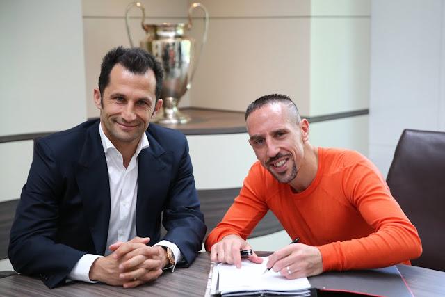 CHÍNH THỨC: Bayern gia hạn hợp đồng với công thần 2