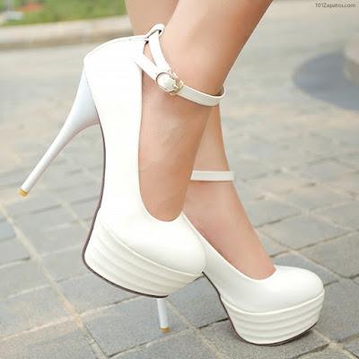 Zapatos con plataforma blancos