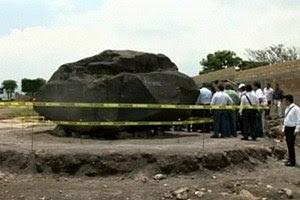 Découverte d'un monolithe dédié au Dieu Aztèque Tlaloc