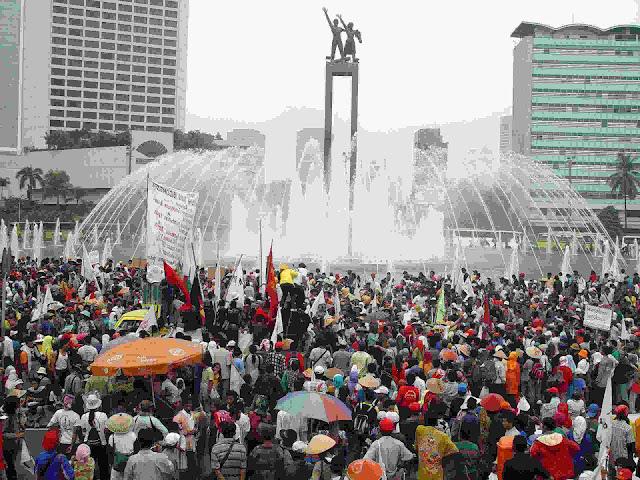 Fakta Indonesia 319 juta orang 2045