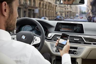 Πρεμιέρα για το BMW Connected