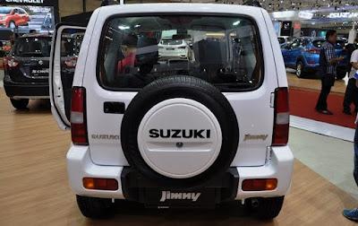 Suzuki Jimny tampak belakang
