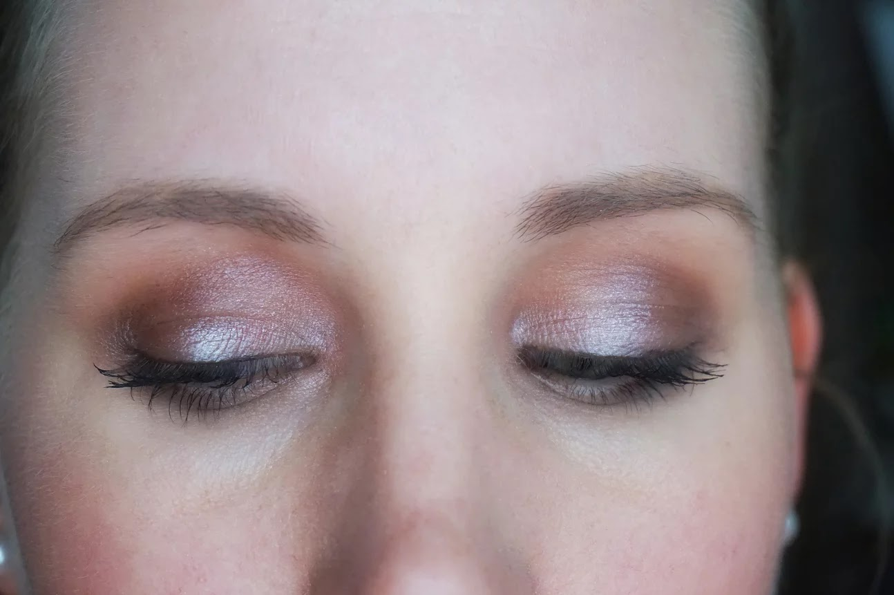iSociety cosmetics eyeshadow makeup look
