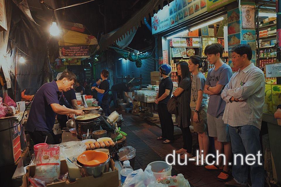 Tại chợ ẩm thực Thái Lan