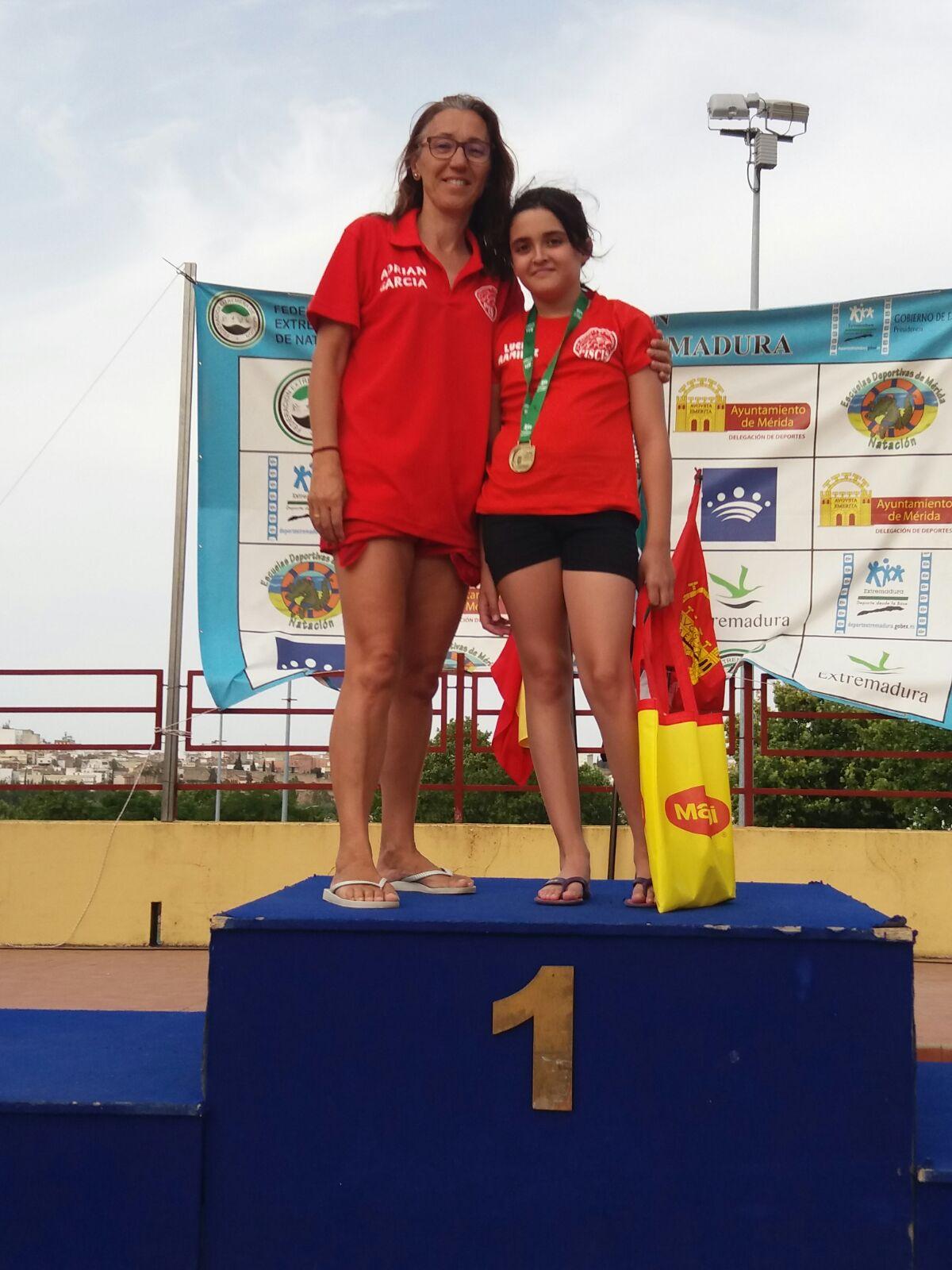 Escuela de natacion piscis for Piscina climatizada navalmoral