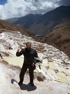 Pedro nas Salineras de Maras / Peru.