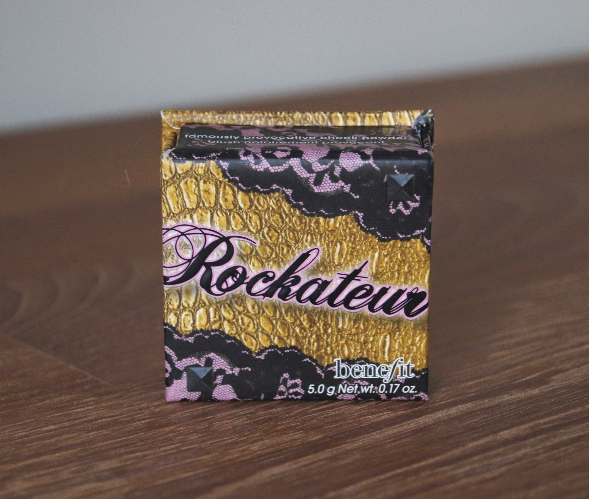 benefit box powder collection rockateur blush review swatch