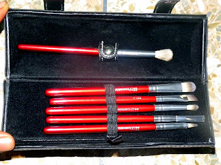 Red Brushes