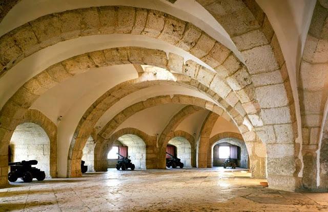 Interior da Torre de Belém em Lisboa