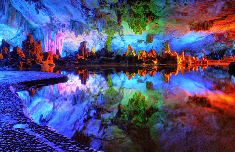 6. Reed Flute Cave, China - 8 Mind Blowing Caves That Will Take Your Breath Away