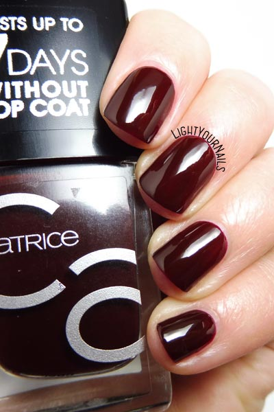 Smalto rosso Catrice ICONails 4 Red Midnight Mystery nail polish #nails #catrice #unghie #lightyournails