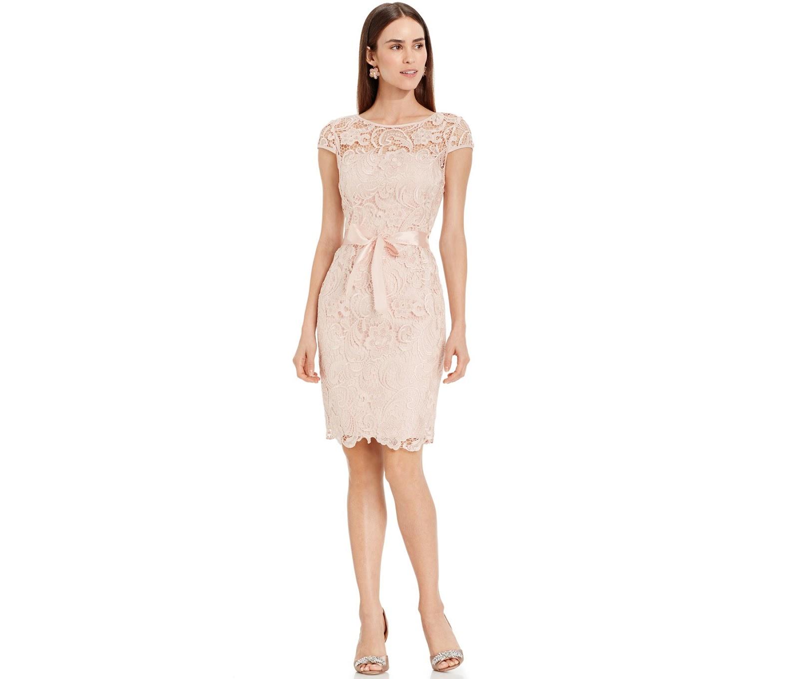 Modelos vestidos de coctel