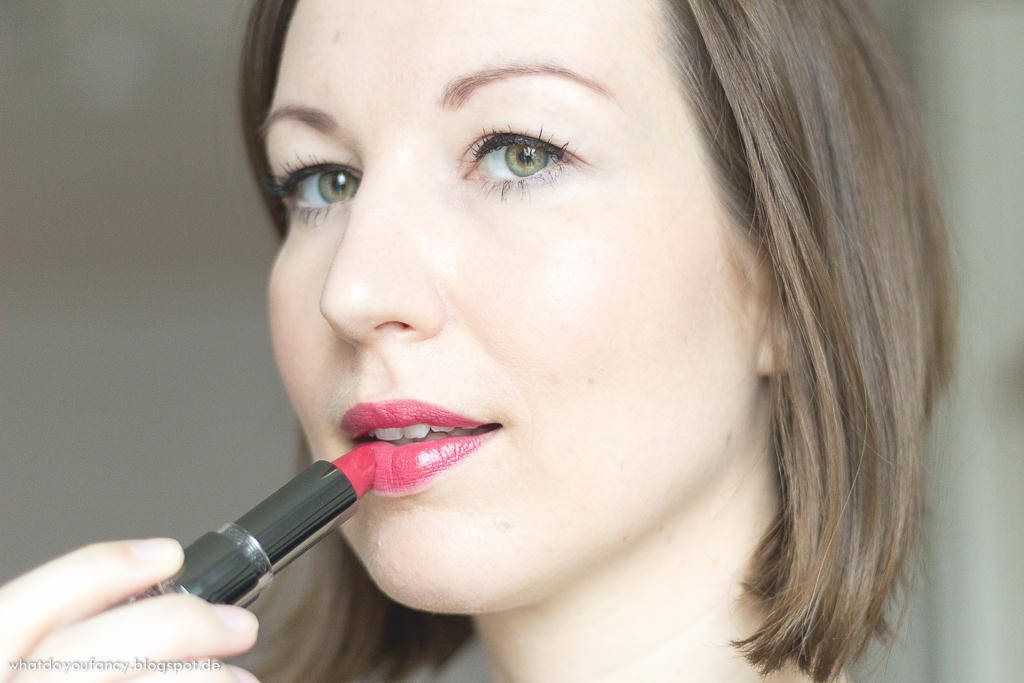 Klimt's Gentle Kiss Shimmer Lip Colour aus der limitierten Catrice Viennart Edition