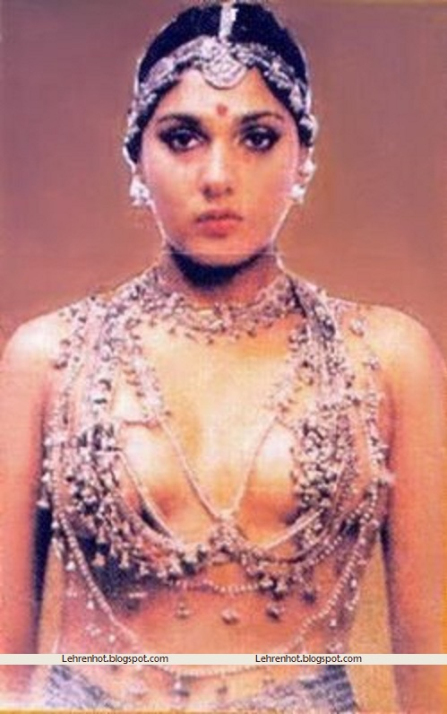 Anu Agarwal topless