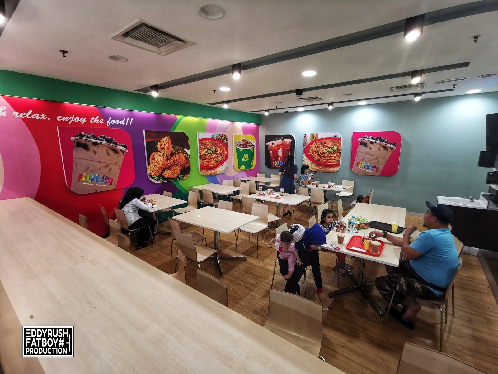 Under One Roof With Holim, Ali Tomyam and Daddy J Chicken at