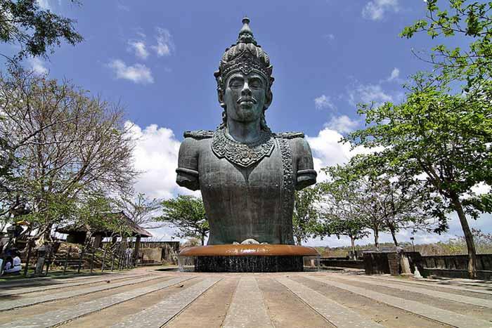 Tujuan Wisata Terkenal Bali Garuda Wisnu Kencana Gwk