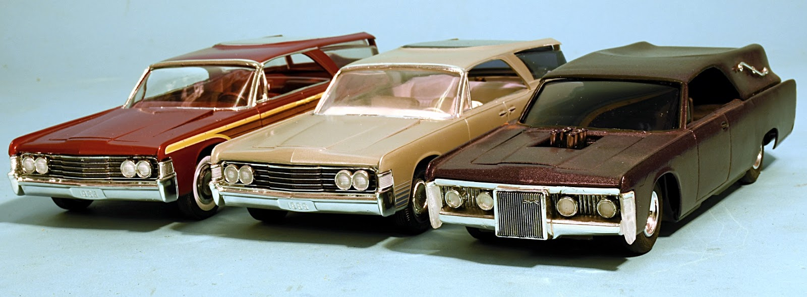 WAGON INTERIOR AND RELATED PARTS AMT 1//25 1965 LINCOLN CONTINENTAL CONVERTIBLE