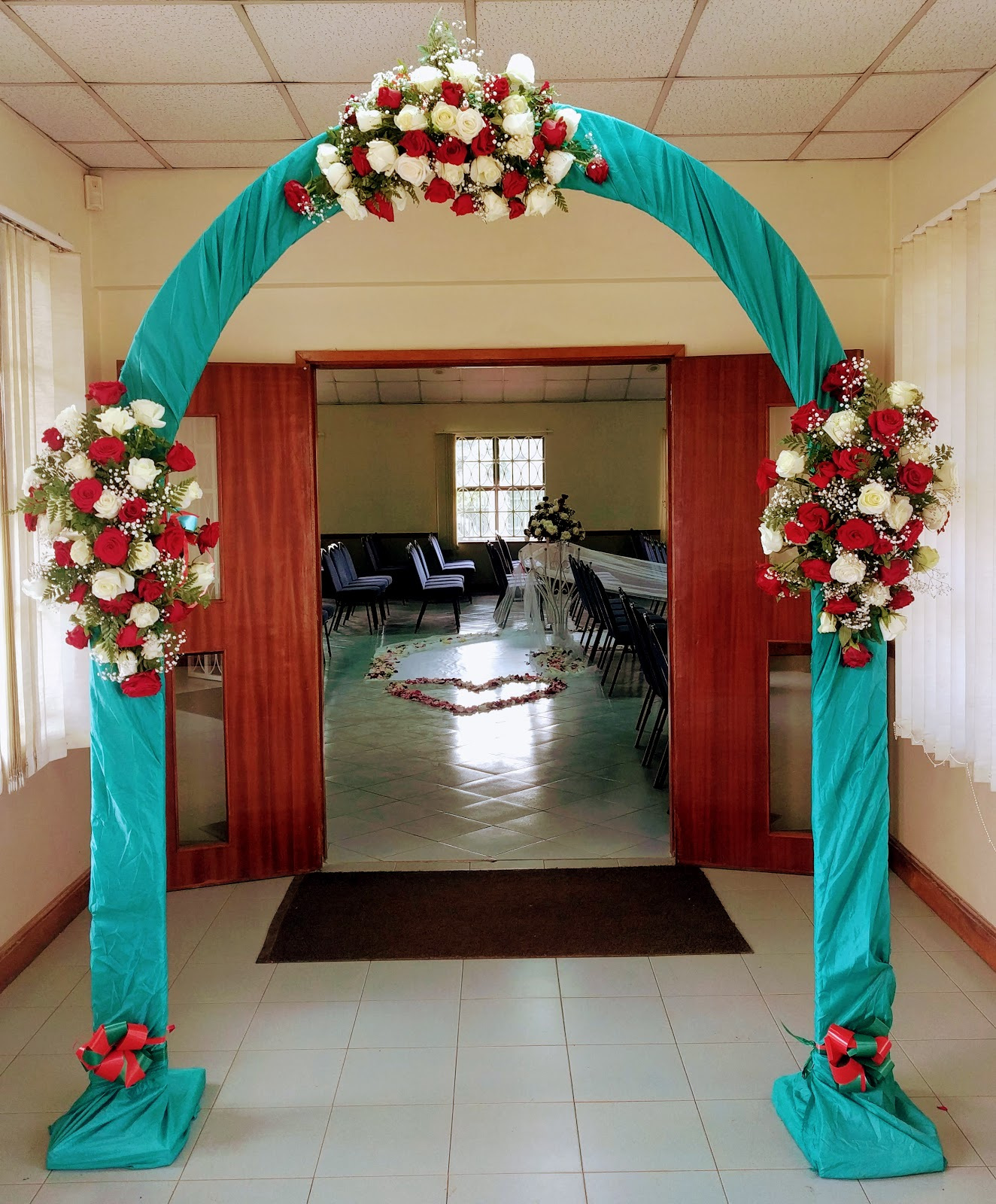 Nm a beautiful kenyan wedding one thing i realized probably features largely in kenyan weddings are these fabulous large flower arrangements it makes sense as many of the flowers junglespirit Choice Image