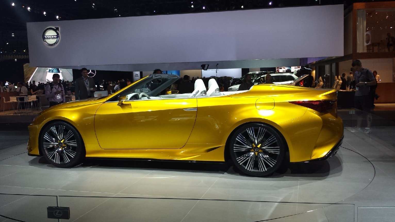 blog for car lovers 2017 lexus lc 350 convertible price horsepower and release date. Black Bedroom Furniture Sets. Home Design Ideas