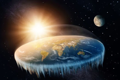 """Supporters of the flat earth theory offered their explanation for the """"bloody moon"""" planet-today.com"""