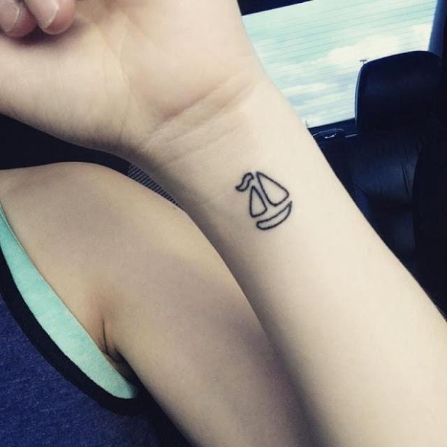 minimal küçük ucuz tattoo dövme