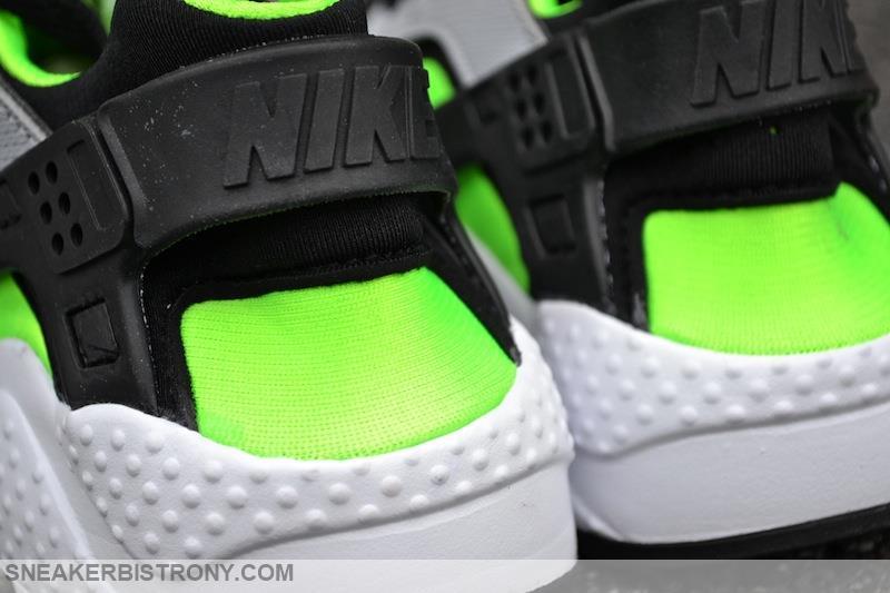 85b1adca8864 Nike Huarache Run GS