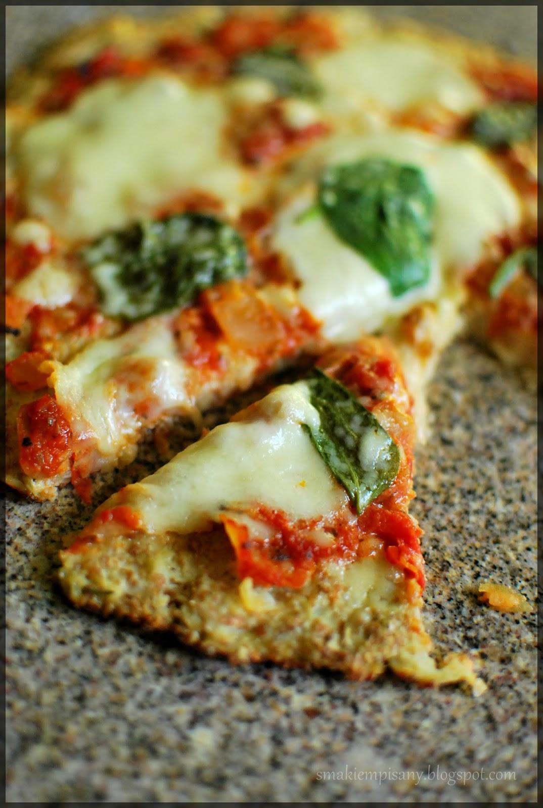 dietetyczna pizza na kalafiorowym spodzie