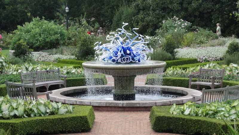 Atlanta Botanical Garden   Dale Chihuly Glass Sculpture