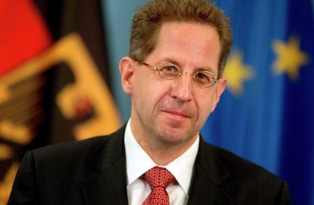 Il capo dell'intelligence tedesco Hans-Georg Maassen è dimesso