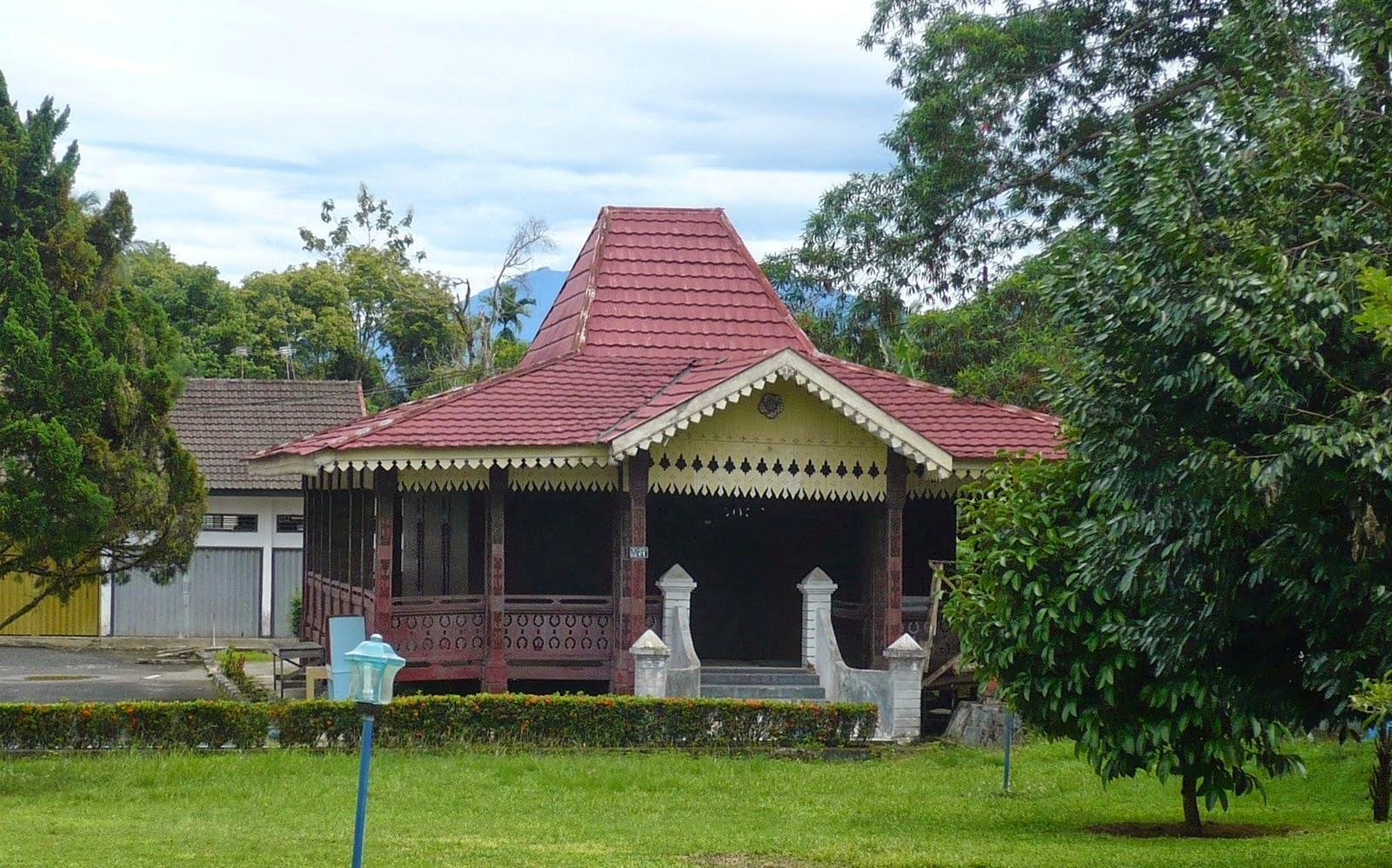 Rumah Adat Rakyat
