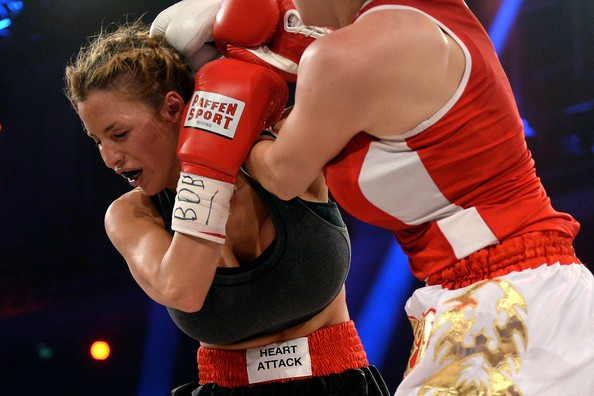 jordan-carver-vs-melanie-muller-boxing-fight-10