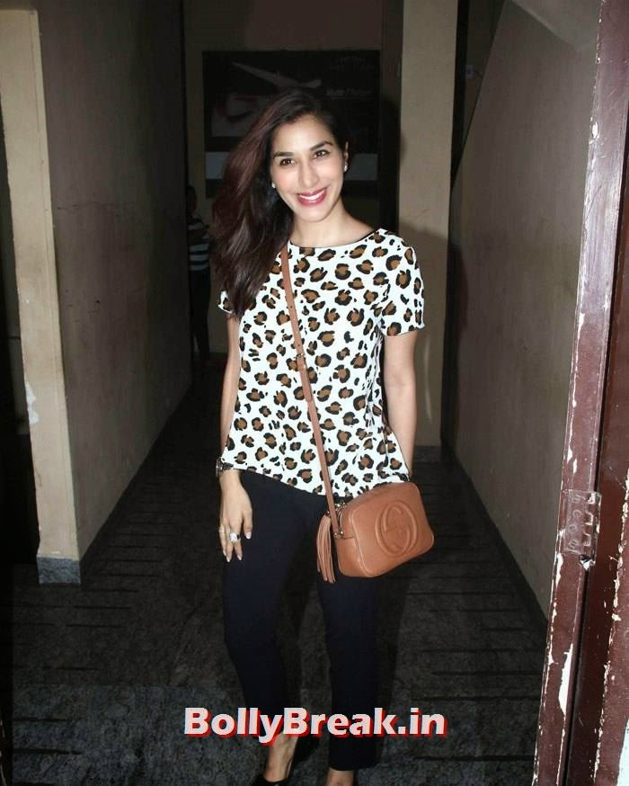 Sophie Choudry, Pics from 'Finding Fanny' Movie Screening
