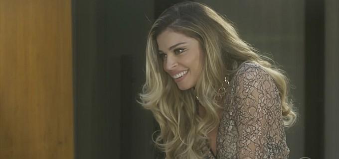 3aea3fcca8 Grazi Massafera (Luciane) em cena de A Lei do Amor  loira vai fazer sucesso  com comércio - Reprodução TV Globo