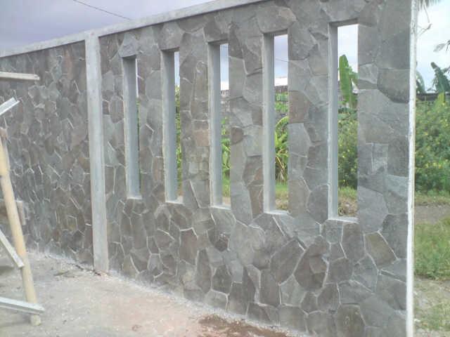 11 Desain Pagar Batu Alam Untuk Tapilan Rumah Yang Indah Dan Menawan