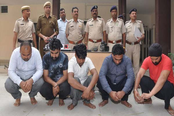 karnal-police-arrested-fake-journlist-tahalka-news-for-extortion