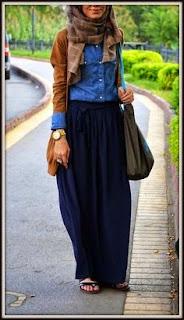 model rok Hijab Maxi Skirt