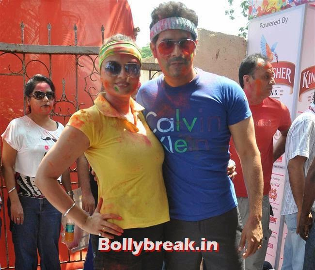 Deepshikha and Kaishav Arora, Sunny, Tanisha, Poonam & Kainaat at Zoom Holi Party 2014