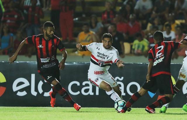 Gilberto anotou o gol da vitória tricolor no primeiro minuto de jogo (Foto: Rubens Chiri/SPFC)