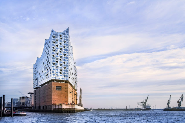 Hamburger Elbphilharmonie, view coming into the Harbor Photo courtesy Elbphilharmonie, © Thies Rätzke (2016)