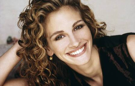 Julia Roberts Was The First Actress To Appear On The Cover Of Vogue Download Julia Roberts Hot Sexy Wallpapers Julia Roberts Unseen Photos