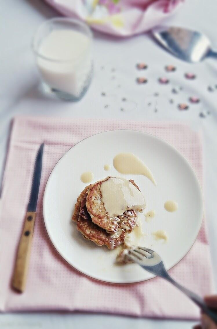 Easy Banana Fritters with yogurt syrup