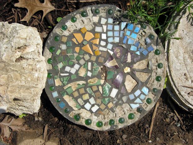Sorta Fabulous Garden Art - Make Personal