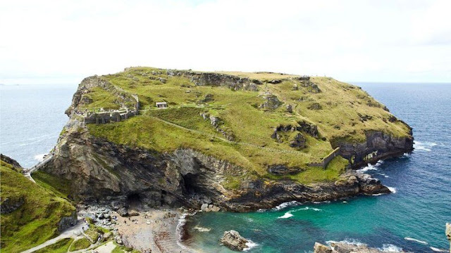 Tintagel excavations reveal refined tastes of early Cornish kings