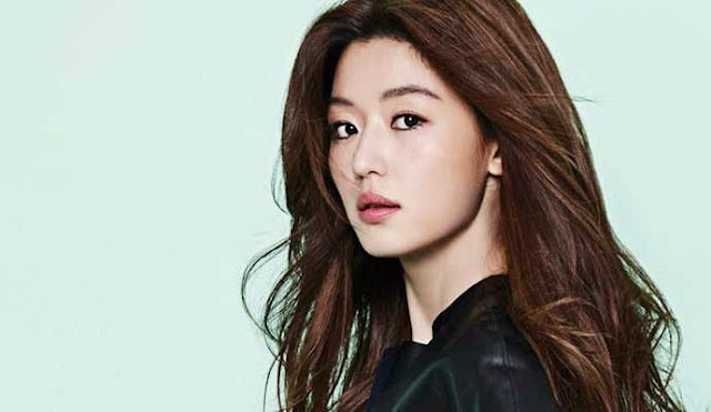 Jeon Ji Hyun photo