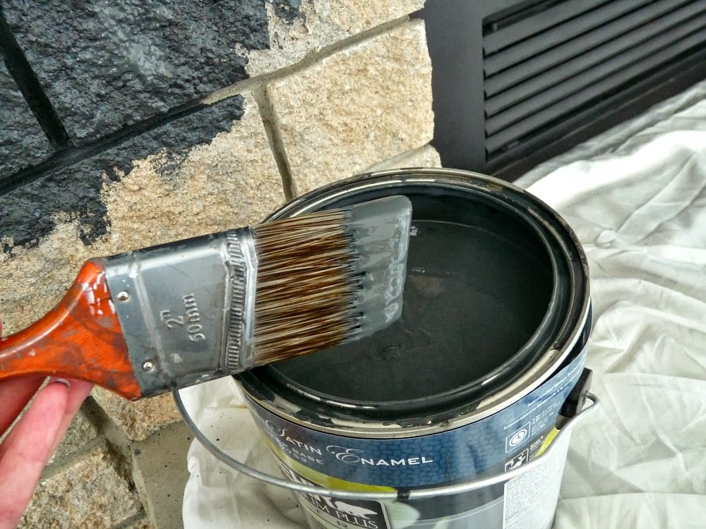 How to easily paint a stone or brick fireplace by @danslelakehouse