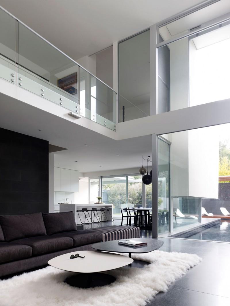 Hogares frescos casa moderna de dos pisos con piscina externa for Pisos terrazas modernas