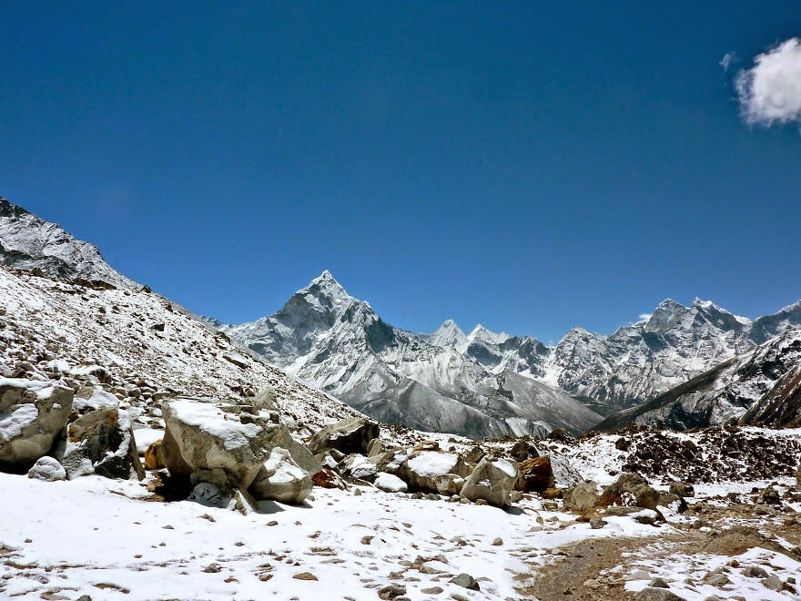 On the way back in the snow - My 25 Photos Of The Everest Base Camp Trek