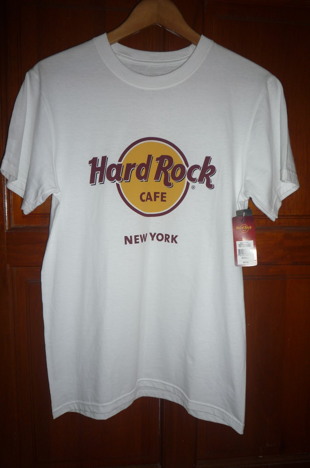 busybeeroom welcomes you hard rock cafe new york. Black Bedroom Furniture Sets. Home Design Ideas